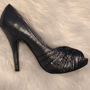 Black and Silver Metallic Party Shoes size 7.5